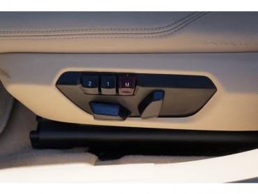 2016 BMW 3 Series - Image 15