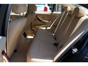 2016 BMW 3 Series - Image 18