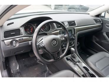 2016 Volkswagen Passat - Image 11