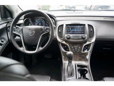 2016 Buick LaCrosse - Image 19