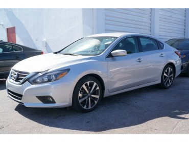 2017 Nissan Altima  4D Sedan  - 17218 - Image 1