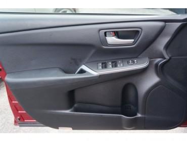 2017 Toyota Camry - Image 9