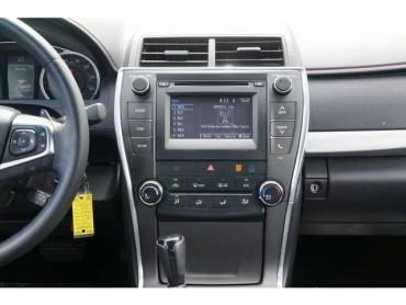 2017 Toyota Camry - Image 21