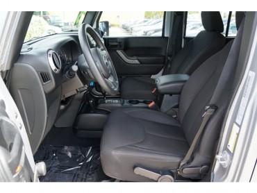 2015 Jeep Wrangler - Image 12