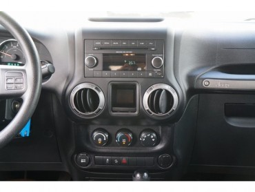 2015 Jeep Wrangler - Image 22