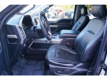 2016 Ford F-150 - Image 12