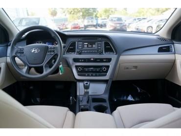 2017 Hyundai Sonata - Image 20