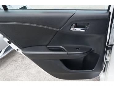 2016 Honda Accord - Image 16