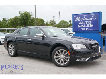 2018 Chrysler 300 Limited 4D Sedan - 18288 - Image 1