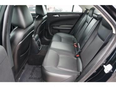 2018 Chrysler 300 - Image 16