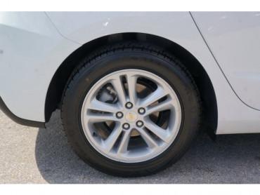 2017 Chevrolet Cruze - Image 8