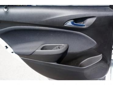 2017 Chevrolet Cruze - Image 16