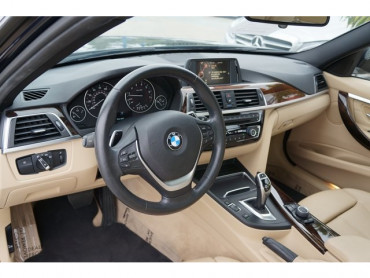 2016 BMW 3 Series - Image 11