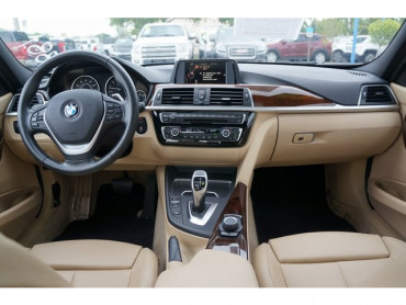 2016 BMW 3 Series - Image 17