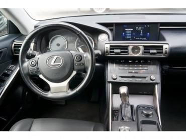2016 Lexus IS - Image 20