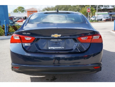 2017 Chevrolet Malibu - Image 5