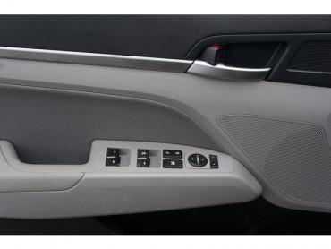 2020 Hyundai Elantra - Image 10