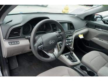 2020 Hyundai Elantra - Image 11