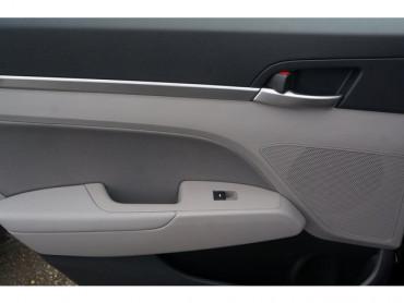 2020 Hyundai Elantra - Image 15