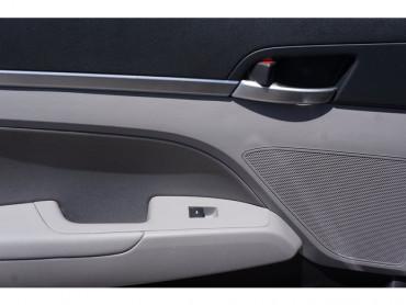 2019 Hyundai Elantra - Image 11