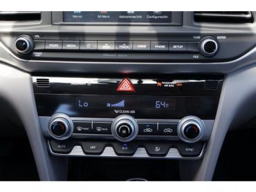 2019 Hyundai Elantra - Image 18