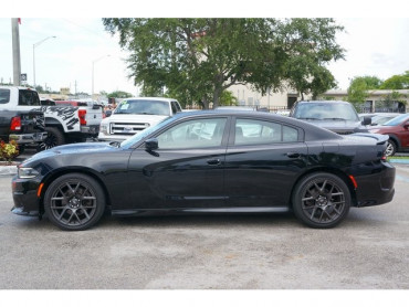 2017 Dodge Charger - Image 3
