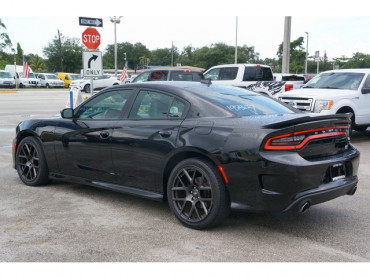 2017 Dodge Charger - Image 4