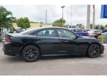 2017 Dodge Charger - Image 6
