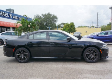 2017 Dodge Charger - Image 7