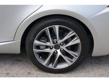 2018 Lexus IS - Image 8