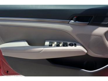 2017 Hyundai Elantra - Image 9