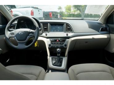 2017 Hyundai Elantra - Image 16