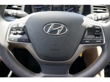 2017 Hyundai Elantra - Image 25