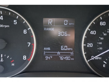 2017 Hyundai Elantra - Image 27