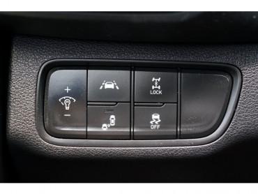 2019 Hyundai Santa Fe - Image 25